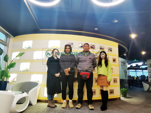 Papua New Guinea Clients Visited NEWINDU Office and XCMG Factory